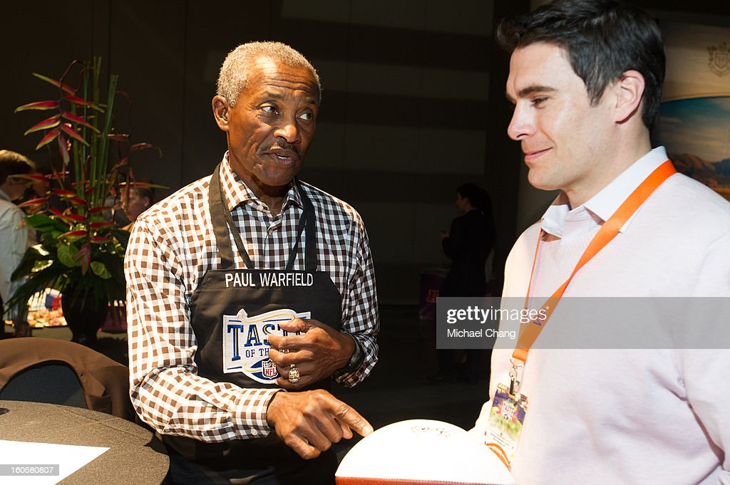 <a gi-track='captionPersonalityLinkClicked' href=/galleries/search?phrase=Paul+Warfield&family=editorial&specificpeople=1048578 ng-click='$event.stopPropagation()'>Paul Warfield</a> speaks to a fan during the 2013 Taste of the NFL at the Ernest N. Morial Convention Center on February 2, 2013 in New Orleans, Louisiana.