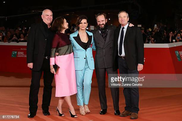 Paul Zaentz Kristin Scott Thomas Juliette Binoche Ralph Fiennes and Julian Wadham walk a red carpet for 'The English Patient Il Paziente Inglese'...