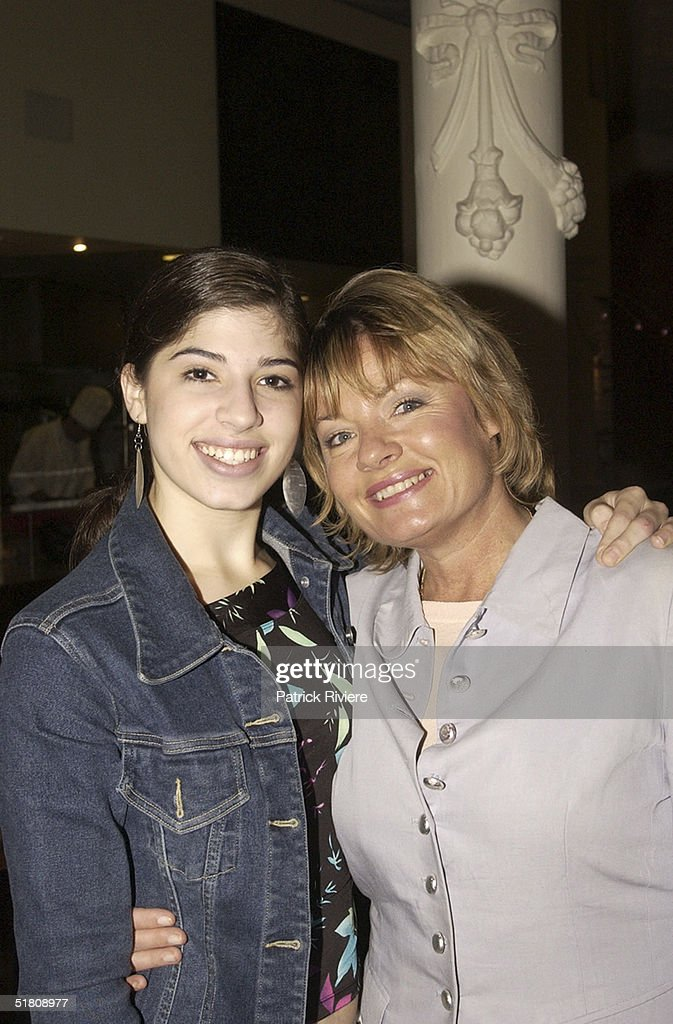 18 APRIL 2002 Paula Duncan daughter Dr LeWinn's Private Formual skin care range hosting a 'mothers and daughters breakfast' with Nicky Buckley at...