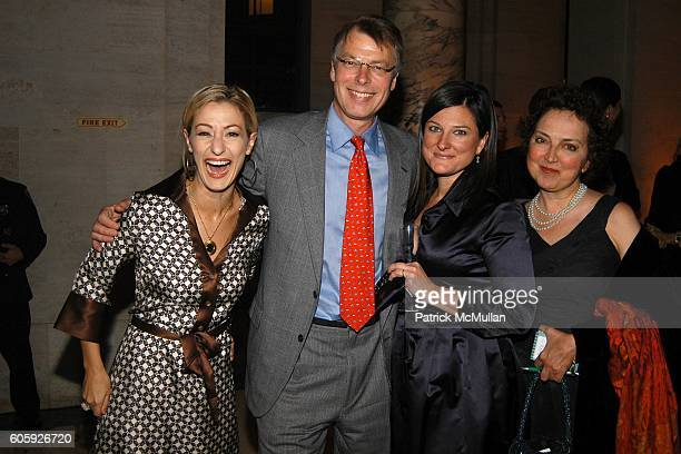 Paula Froelich Richard Johnson Aimee Bell and Joanna Molloy attend VANITY FAIR Tribeca Film Festival Party hosted by Graydon Carter and Robert DeNiro...