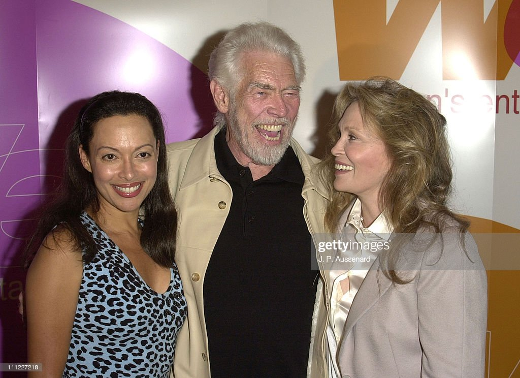 Paula O'Hara, <a gi-track='captionPersonalityLinkClicked' href=/galleries/search?phrase=James+Coburn&family=editorial&specificpeople=221456 ng-click='$event.stopPropagation()'>James Coburn</a> & <a gi-track='captionPersonalityLinkClicked' href=/galleries/search?phrase=Faye+Dunaway&family=editorial&specificpeople=204694 ng-click='$event.stopPropagation()'>Faye Dunaway</a> during The Yellow Bird Screening Directed By <a gi-track='captionPersonalityLinkClicked' href=/galleries/search?phrase=Faye+Dunaway&family=editorial&specificpeople=204694 ng-click='$event.stopPropagation()'>Faye Dunaway</a> at AFI Fest 2001 at Pacific Theater in Hollywood, California, United States.