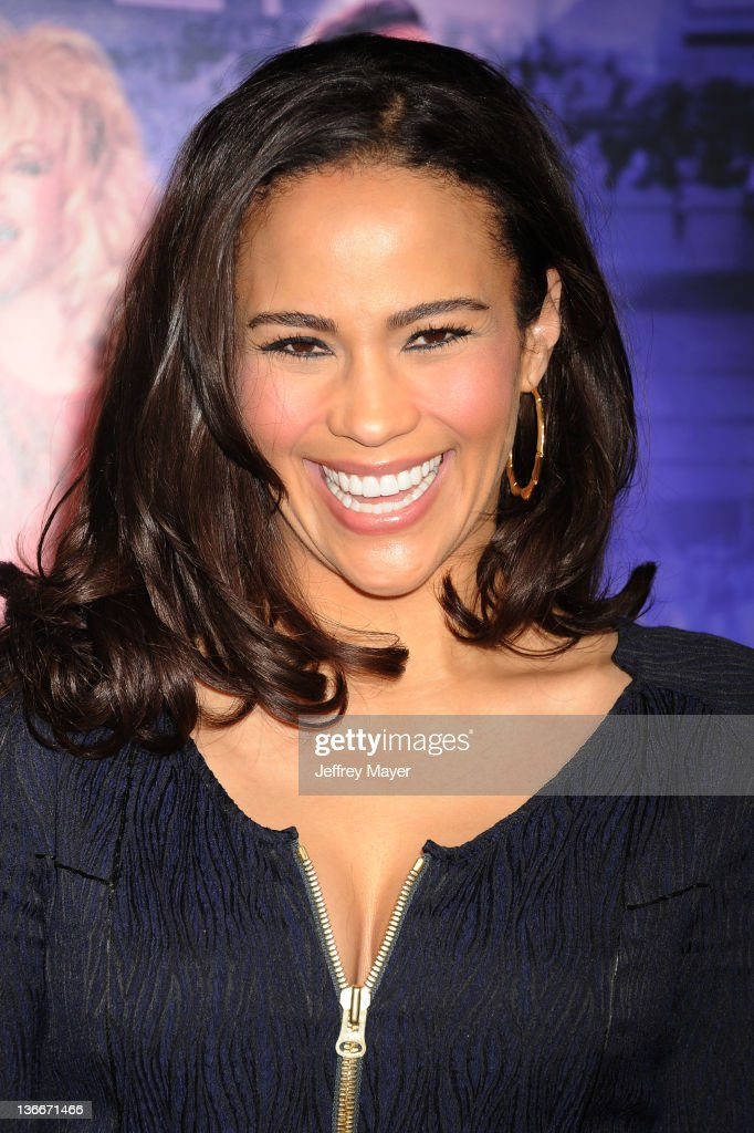 Paula Patton attends the 'Joyful Noise' Los Angeles Premiere at Grauman's Chinese Theatre on January 9, 2012 in Hollywood, California.