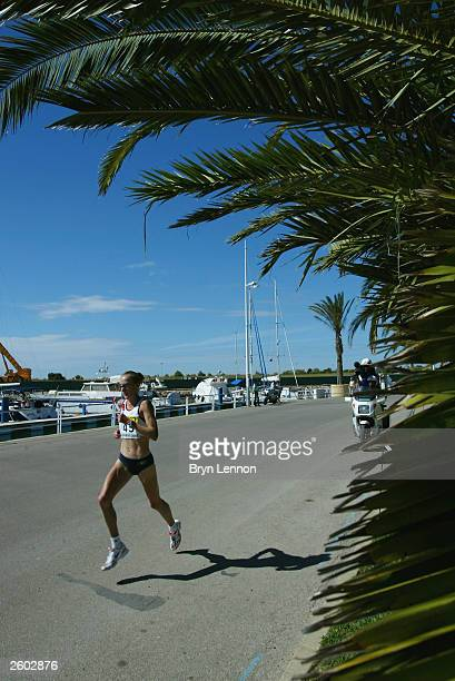 Paula Radcliffe of Great Britain on her way to winning the 12th IAAF World Half Marathon Championships on October 4 2003 in Vilamoura Portugal