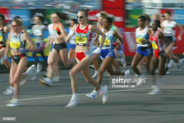 Paula Radcliffe of Great Britain starts the Flora London Marathon on the streets of London on April 13 2003