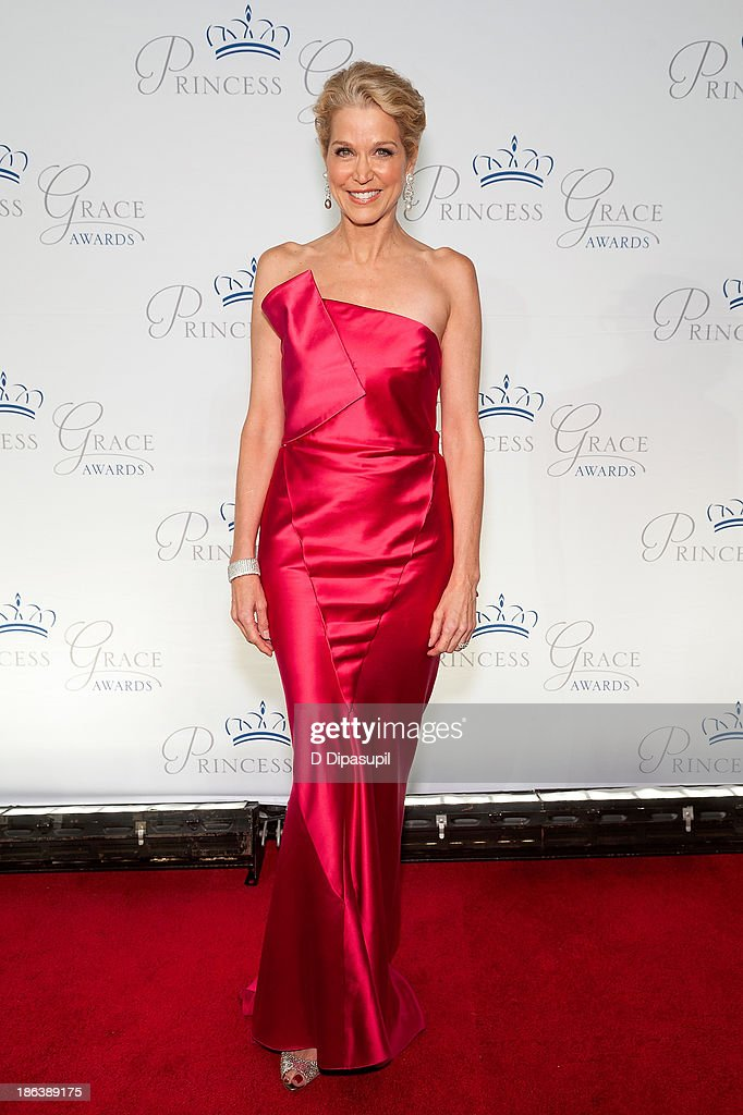 <a gi-track='captionPersonalityLinkClicked' href=/galleries/search?phrase=Paula+Zahn&family=editorial&specificpeople=206450 ng-click='$event.stopPropagation()'>Paula Zahn</a> attends the 2013 Princess Grace Awards Gala at Cipriani 42nd Street on October 30, 2013 in New York City.