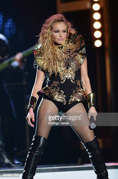 Paulina Rubio performs onstage at Telemundo's 'Premios Tu Mundo' Awards 2015 at American Airlines Arena on August 20 2015 in Miami Florida