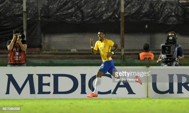 Paulinho of Brazil celebrates after scoring the fourth goal during a match between Uruguay and Brazil as part of FIFA 2018 World Cup Qualifiers at...