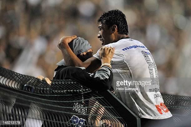 Paulinho of Corinthians celebrates after scoring against Vasco da Gama during a match between Corinthians and Vasco da Gama as part of the...