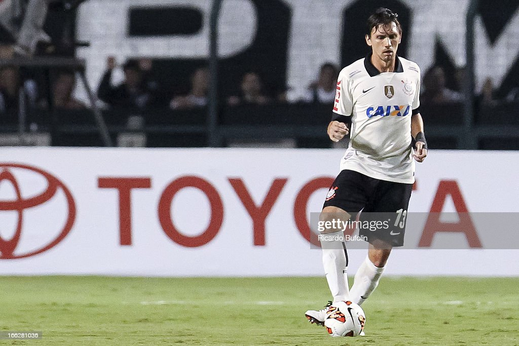 Paulo Andre, of Corinthians, in action during the match between Corinthians and San Jose as part of the Bridgestone Libertadores Championship 2013 at Pacaembu Stadium on April 10, 2013 in Sao Paulo, Brazil.