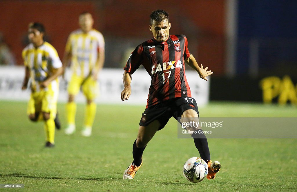 Paulo Dias of Atletico Paranaense in action during a match between Atletico Paranaense and The Strongest as part of Copa Bridgestone Libertadores 2014 at Durival Britto Stadium on February 13, 2014 in Curitiba, Parana, Brazil.