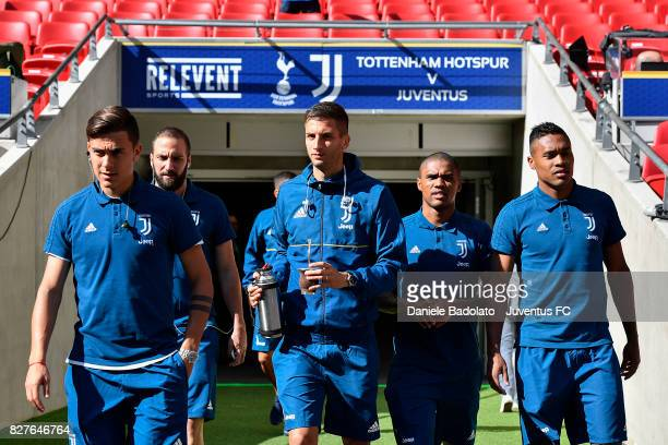 Paulo Dybala Gonzalo Higuain Rodrigo Bentancur Douglas Costa and Alex Sandro before the Tottenham Hotspur v Juventus PreSeason Friendly match at...