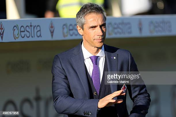 Paulo Sousa manager of ACF Fiorentina looks on during the Serie A match between ACF Fiorentina and Empoli FC at Stadio Artemio Franchi on November 22...
