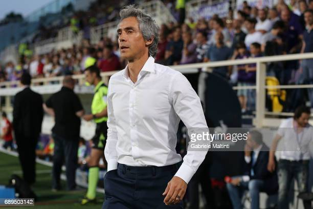 Paulo Sousa manager of ACF Fiorentina looks on during the Serie A match between ACF Fiorentina and Pescara Calcio at Stadio Artemio Franchi on May 28...