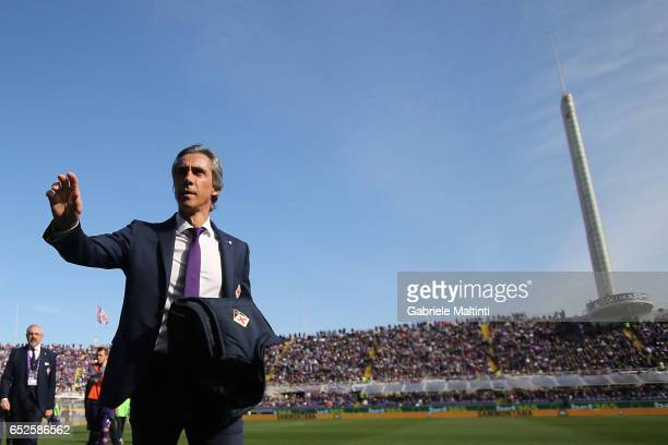 Paulo Sousa manager of AFC Fiorentina gestures during the Serie A match between ACF Fiorentina and Cagliari Calcio at Stadio Artemio Franchi on March...