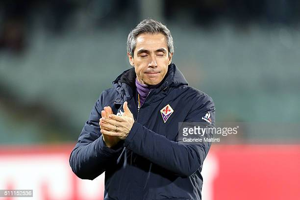 Paulo Sousa manager of AFC Fiorentina gestures during the UEFA Europa League Round of 32 first leg match between Fiorentina and Tottenham Hotspur on...