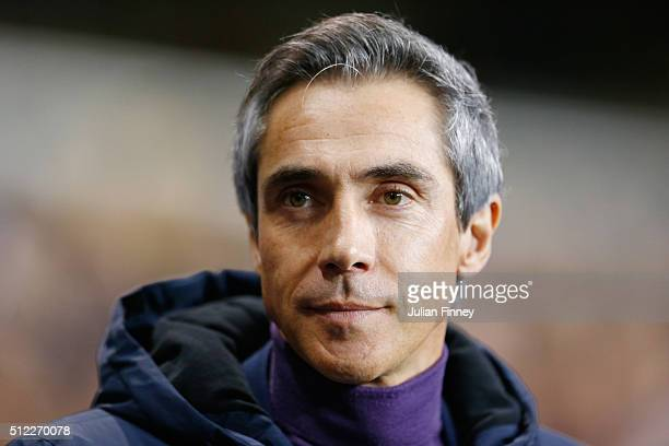 Paulo Sousa manager of Fiorentina looks on prior to the UEFA Europa League round of 32 second leg match between Tottenham Hotspur and Fiorentina at...