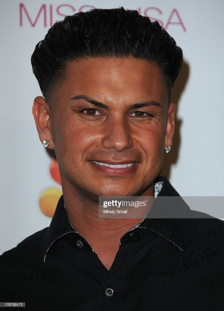 DJ Pauly D arrives at the 2013 Miss USA pageant at Planet Hollywood Resort & Casino on June 16, 2013 in Las Vegas, Nevada.