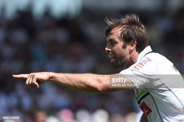 Pau's New Zealander centre Conrad Smith gestures during the French Top 14 rugby union match between Pau and Toulon on August 27 2016 at the Hameau...
