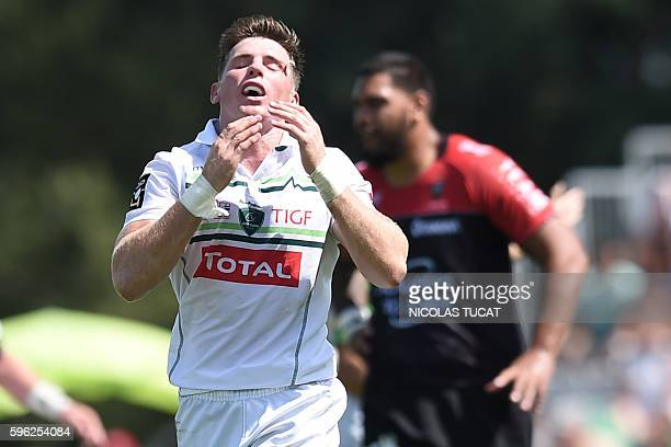 Pau's New Zealander flyhalf Colin Slade reacts during the French Top 14 rugby union match between Pau and Toulon on August 27 2016 at the Hameau...