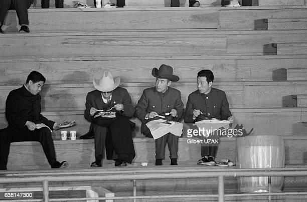 Pause déjeuner pour la délégation chinoise lors de la visite du vicepremier ministre Deng Xiaoping à Houston au Texas aux EtatsUnis le 2 février 1979