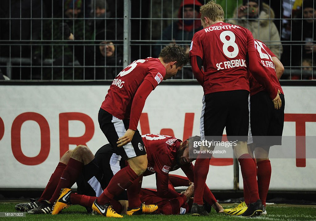 <a gi-track='captionPersonalityLinkClicked' href=/galleries/search?phrase=Pavel+Krmas&family=editorial&specificpeople=2220668 ng-click='$event.stopPropagation()'>Pavel Krmas</a> (C) of Freiburg celebrates his team's first goal with team mates Oliver Sorg (L-R), Daniel Caligiuri, <a gi-track='captionPersonalityLinkClicked' href=/galleries/search?phrase=Jan+Rosenthal&family=editorial&specificpeople=758564 ng-click='$event.stopPropagation()'>Jan Rosenthal</a> and <a gi-track='captionPersonalityLinkClicked' href=/galleries/search?phrase=Max+Kruse&family=editorial&specificpeople=3945507 ng-click='$event.stopPropagation()'>Max Kruse</a> during the Bundesliga match between SC Freiburg and Fortuna Duesseldorf 1895 at MAGE SOLAR Stadium on February 10, 2013 in Freiburg im Breisgau, Germany.