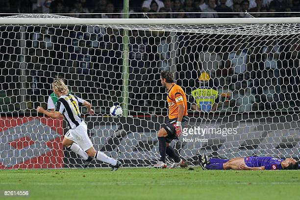 Pavel Nedved of Juventus scores during the Serie A match between Fiorentina and Juventus at the Stadio Franchi on August 31 2008 in Florence Italy