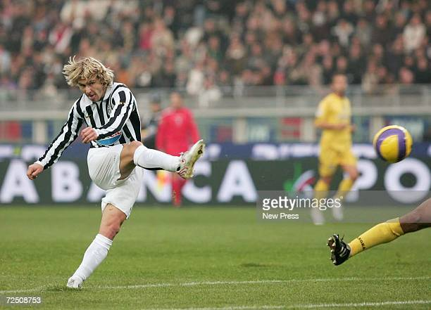 Pavel Nedved of Juventus scores the first goal during the Serie B match between Juventus and Pescara at the Delle Alpi Stadium on November 11 2006 in...