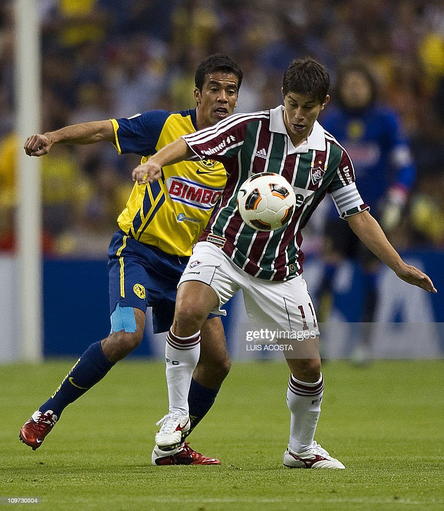 Pavel Pardo L of Mexico s America fig