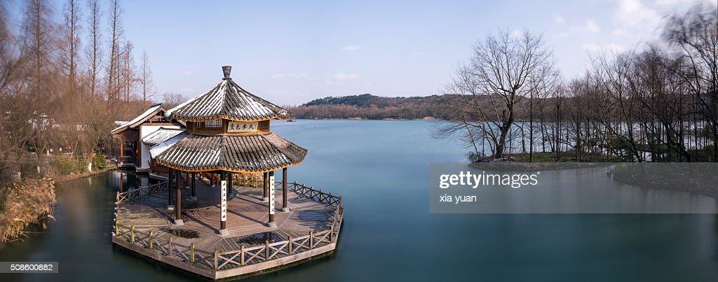 Pavilion in Maojiabu Village by West Lake,Hangzhou,China : Foto de stock