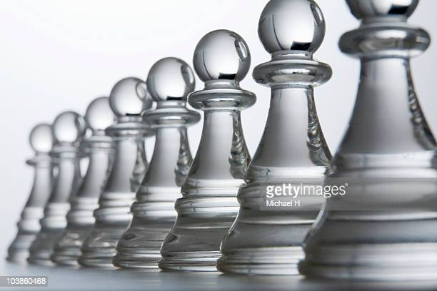 Pawn of chess that lines up and queues up