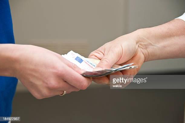 pay wages - Den Lohn zahlen