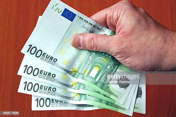 Paying Euro Bank Notes