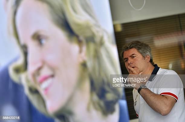 Pays de Loire regional concil member Franck Louvrier gestures during a summer campaign in La Baule on August 11 2016 / AFP / LOIC VENANCE