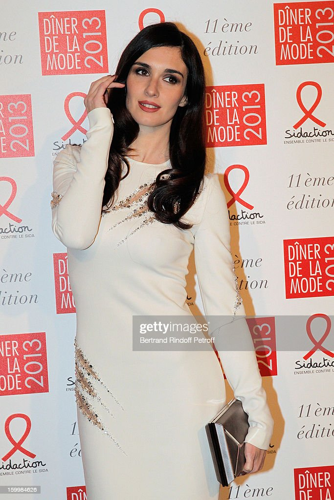 Paz Vega poses as she arrives to attend the Sidaction Gala Dinner 2013 at Pavillon d'Armenonville on January 24, 2013 in Paris, France.