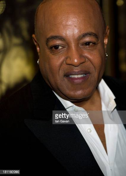 peabo bryson how tall