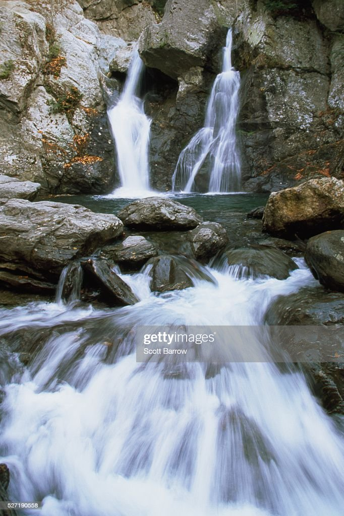 Peaceful waterfall : Stockfoto