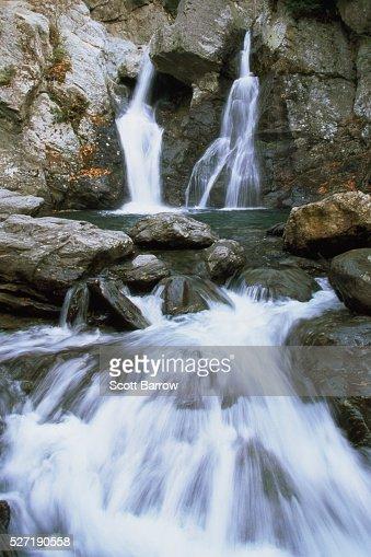Peaceful waterfall : Stockfoto