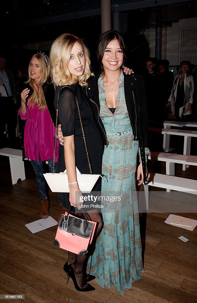 <a gi-track='captionPersonalityLinkClicked' href=/galleries/search?phrase=Peaches+Geldof&family=editorial&specificpeople=211378 ng-click='$event.stopPropagation()'>Peaches Geldof</a> (L) and <a gi-track='captionPersonalityLinkClicked' href=/galleries/search?phrase=Daisy+Lowe&family=editorial&specificpeople=787647 ng-click='$event.stopPropagation()'>Daisy Lowe</a> attend the Matthew Williamson show during London Fashion Week Fall/Winter 2013/14 on February 17, 2013 in London, England.