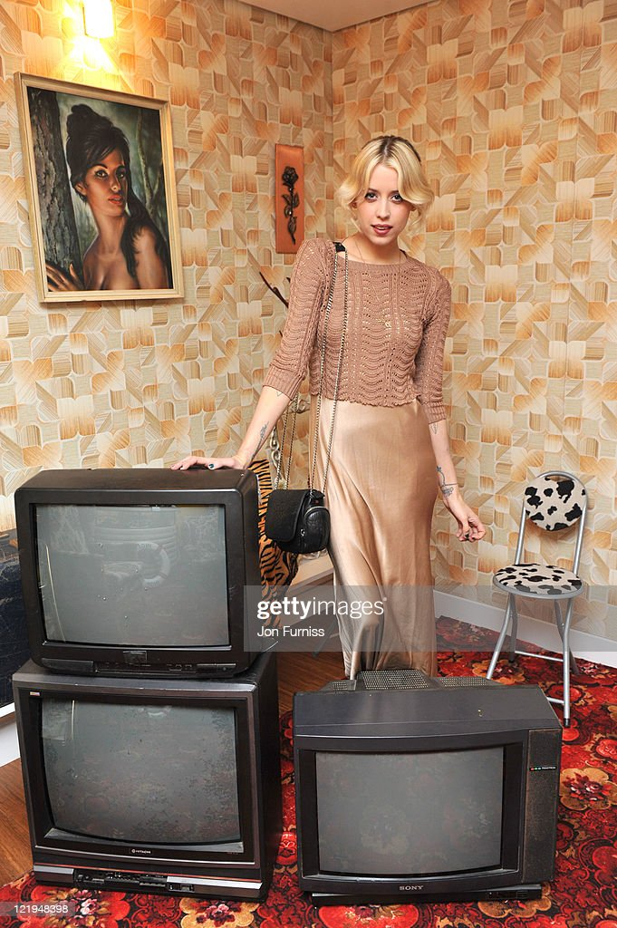 <a gi-track='captionPersonalityLinkClicked' href=/galleries/search?phrase=Peaches+Geldof&family=editorial&specificpeople=211378 ng-click='$event.stopPropagation()'>Peaches Geldof</a> attends the Gold Nelson Mandela House launch, celebrating Only Fools at 30 on Gold on August 23, 2011 in London, England.