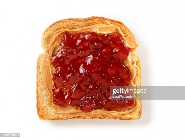 Erdnussbutter und Marmelade auf Toast