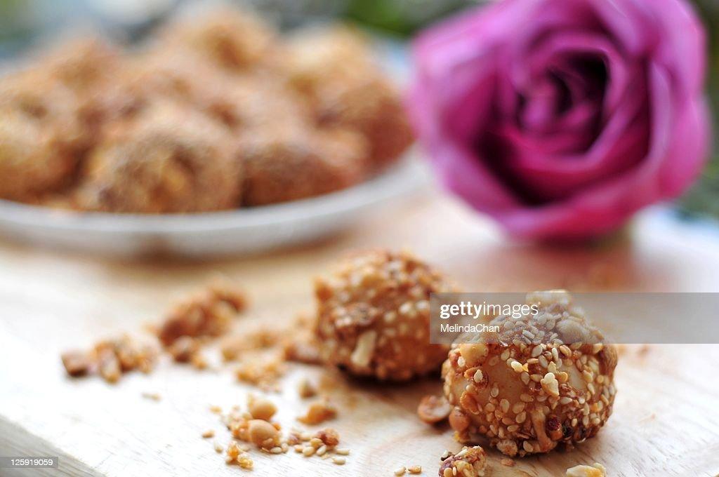 Peanut & sesame glutinous balls : Stock Photo