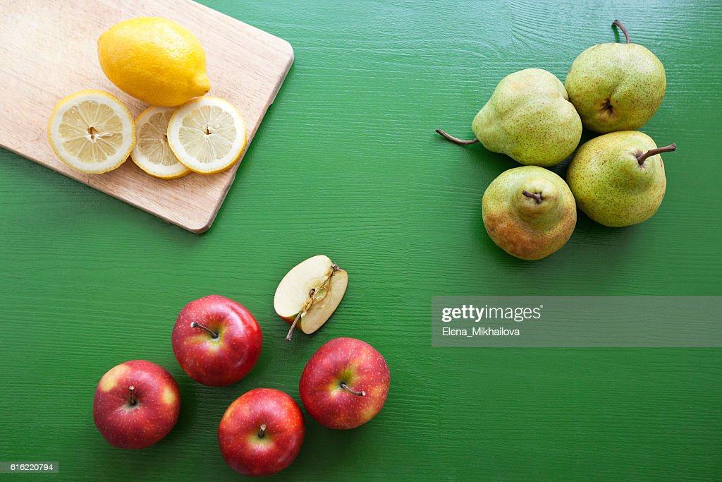 Pear, lemon, apple - mix of fruits for fresh juice : Stock-Foto