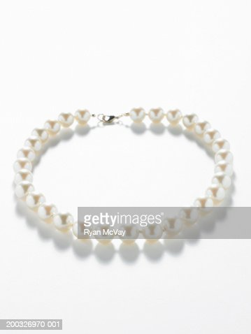 Pearl necklace, elevated view