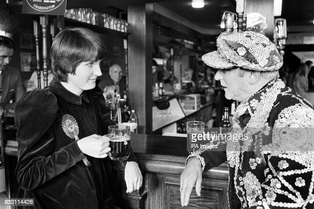 Peckham Labour Parliamentary byelection candidate harriet Harman discusses the problems of Peckham's old people over a pint with Bankside's Pearly...