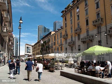 Pedestrian area in corso como milano stock photo getty for Corso illustrazione milano