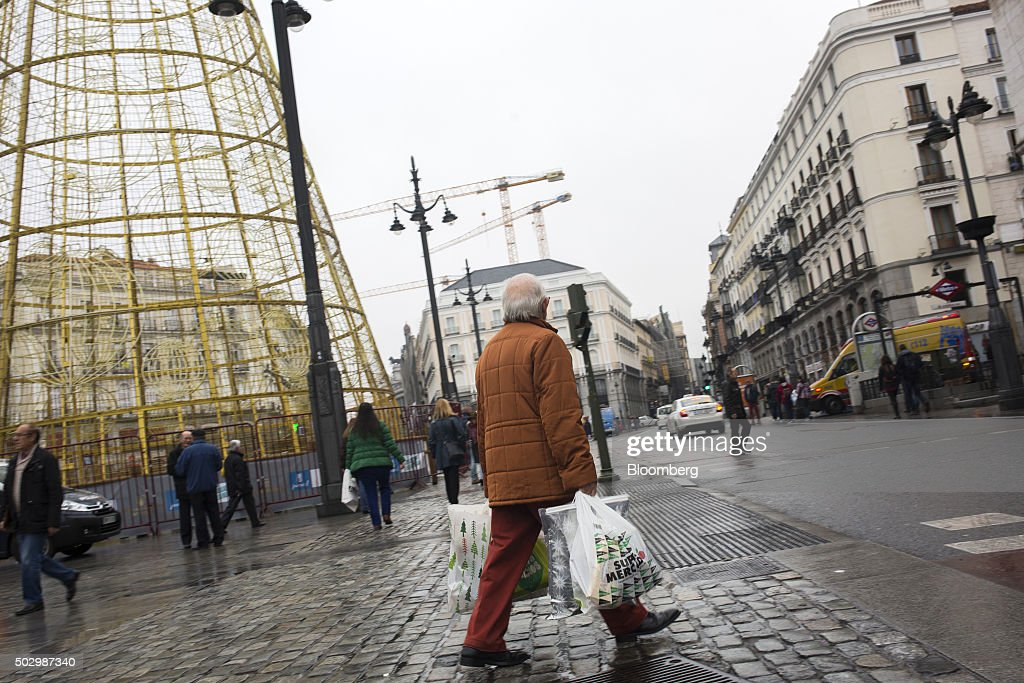 General economy amidst multi party negotiations to form government getty images - El corte ingles puerta del sol ...
