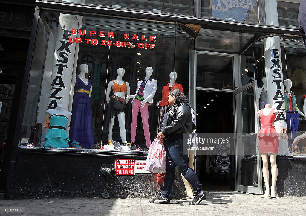 A pedestrian stops to window shop at a store on April 16, 2012 in New York City. Despite high energy prices, the Commerce Department reported today that retail sales beat expectations in March with an 0.8 percent rise compared to a 1.0 percent increase in February.