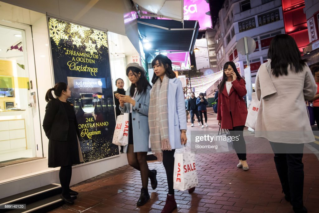 Retail Economy Ahead of Christmas Holiday Season