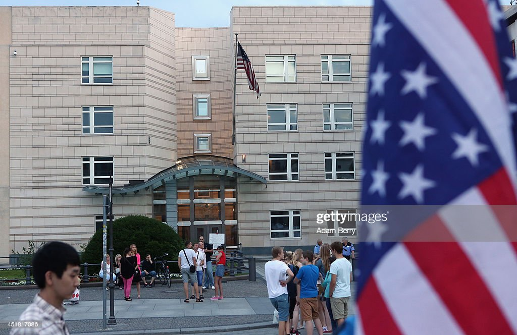 Pedestrians pass the embassy of the United States of America on July 7 2014 in Berlin Germany A German employee of his country's foreignintelligence...