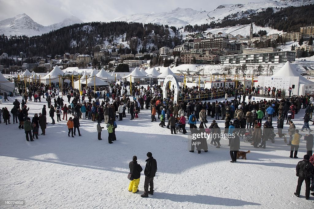 PEDRERO---General view of the site of the White Turf horse racing event in St. Moritz on February 3, 2013. The races are held on the frozen lake of the Swiss mountain resort. AFP PHOTO / BORIS HEGER